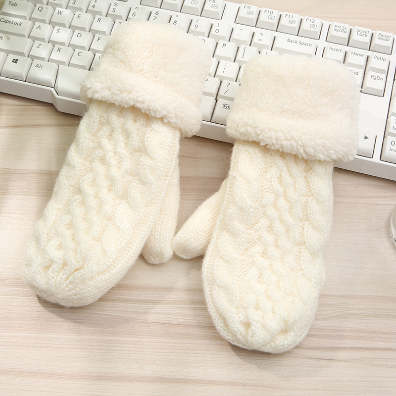 Korean Fashion Twist Mittens Womens Autumn And Winter Thick Warmth Finger-Knitted Wool Gloves