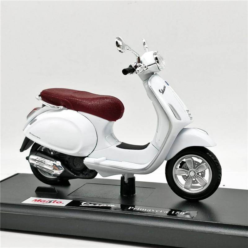 Maisto 1:18 Vespa Primavera 150 Scooter White Diecast Motorcycle