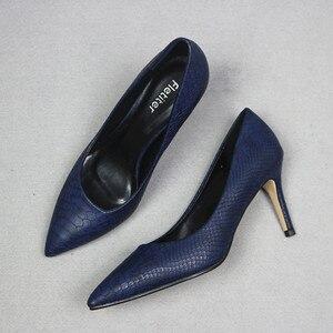 Image 4 - נשים נעלי עקבים גבוהים עור שמלת משאבות נעלי גבירותיי הבוהן מחודדת אלגנטי עבודה כחול משאבות עור אמיתי נעלי נשים Fletiter