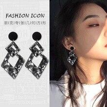 2019 korean long Exaggerated acrylic bohemian earrings for women retro geometric black earrings  drop earrings fine jewelry gift retro style striped ball and geometric acrylic drop earrings