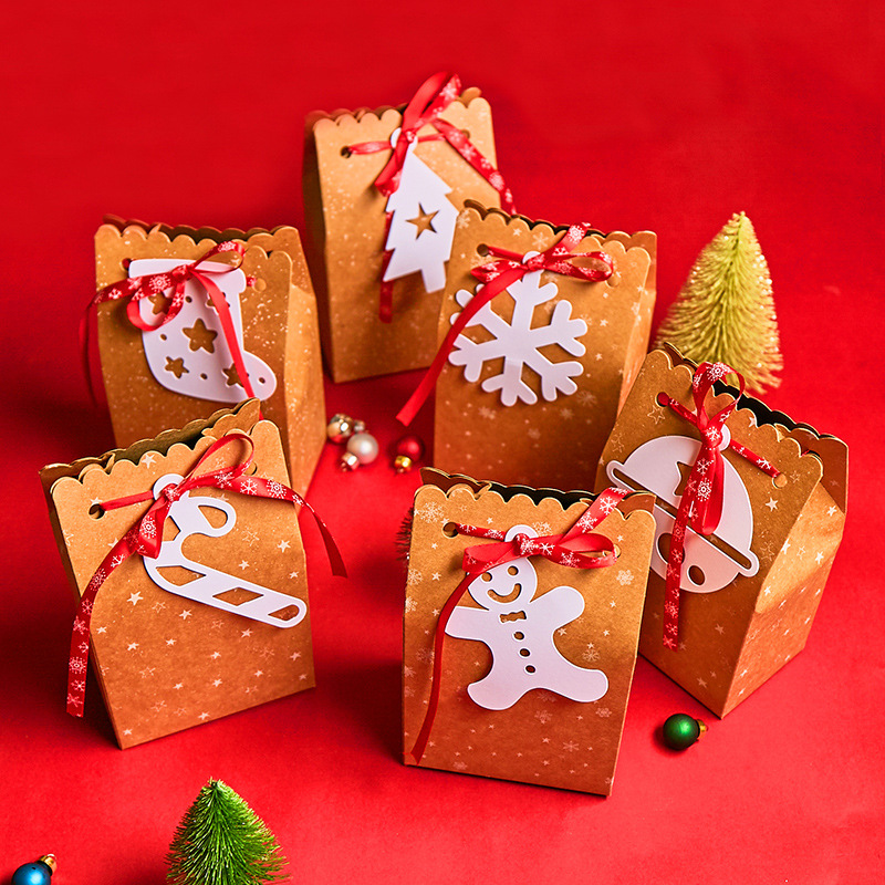 12pcs Christmas Gifts Bags Kcaft Paper Candy Box With Gifferent Tag Xmas Party Favor Bags For New Year Christmas Decor