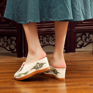 Image 2 - Veowalk Daomadan Bestickt Frauen Leinwand Keil Hausschuhe Sommer Chinesischen Stil Damen Comfort Slide Plattformen Maultiere Schuhe