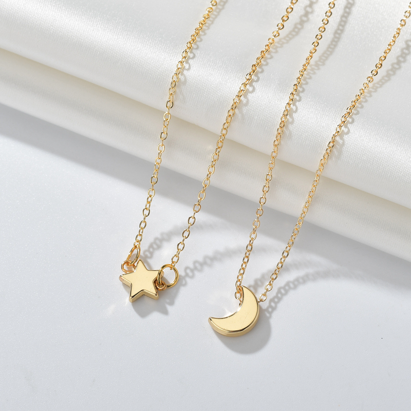 Minimalism Heart Star Moon Necklace Round Hollow Choker Necklaces Korean Metal Gold Pendant Necklace For Women Couple Jewelry