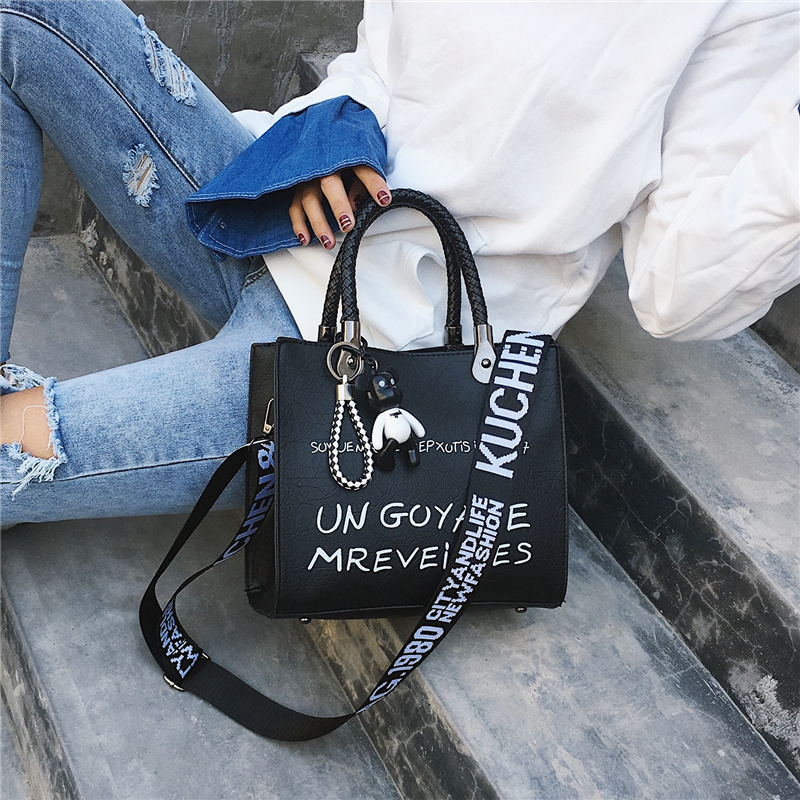 2020 Luxury Ladies Letter Shoulder Bags Women Crossbody Bag Fashion Female Handbag PU Messenger Bags Designer Bucket Bag W605
