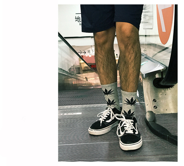 2020 New Fasahion Men's Short Socks Crew Socks Tide Socks Maple Leaf Pattern Socks Breathable Pure Cotton Socks Sports Socks