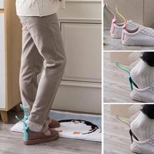 1 sztuk Lazy Shoe Helper Unisex obsługiwane łyżka do butów łatwe włączanie i wyłączanie butów podnoszenie nosić buty pomocnik podnośniki leniwy łyżka do butów podnośnik do butów tanie tanio Shoe horn