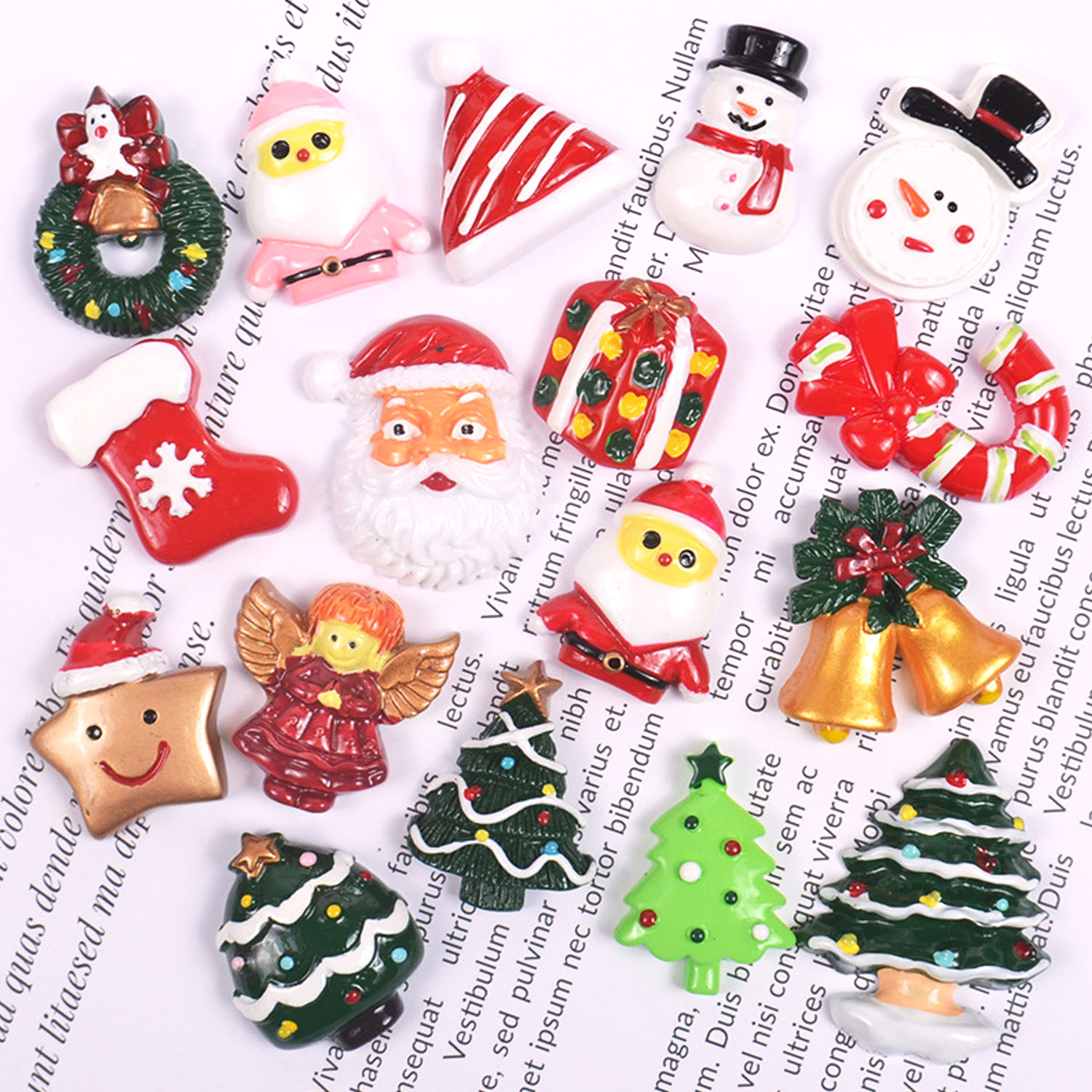 10pcs Mini Cute Christmas Series Resin Flatback Charm Accessories For DIY Mobile Phone Case Earring Hairpin Crafts Random Styles