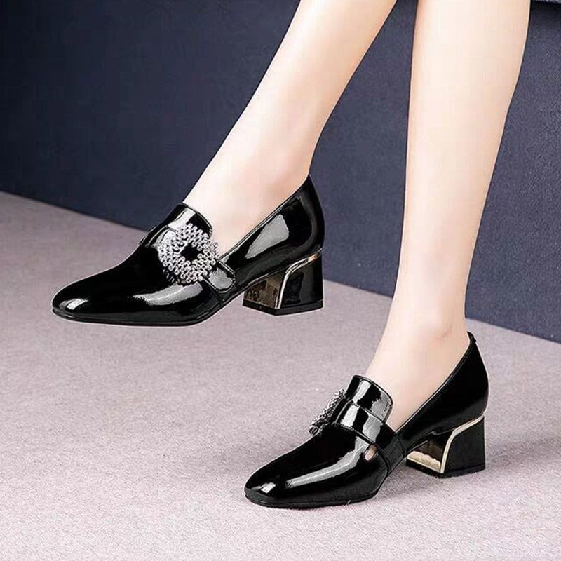Plus Size Women Pumps Rhinestone Buckle Boat Shoes Patent Leather Dress Shoes Square Toe Ladies Office Shoes Zapatos Mujer 7794