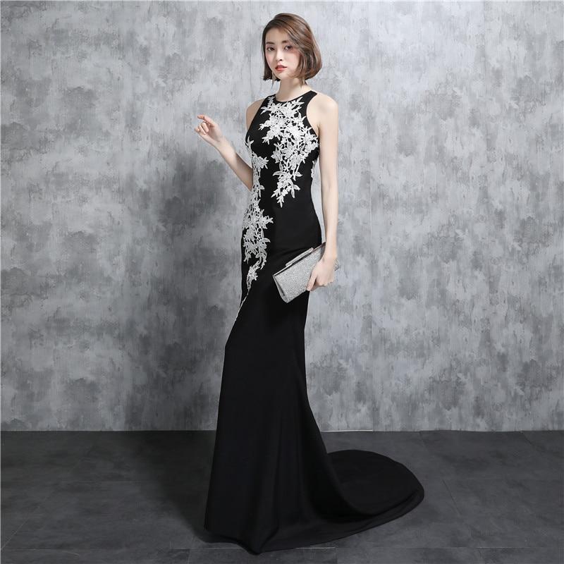 Black Mermaid Bridesmaid Dresses Jewel Neck Sleeveless Button Back Design New Wedding Party Gown