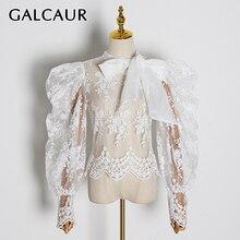 Galcaur刺繍レースの女性のブラウスちょう結び襟ランタン長袖パースペクティブシャツ女性 2020 ファッション服潮