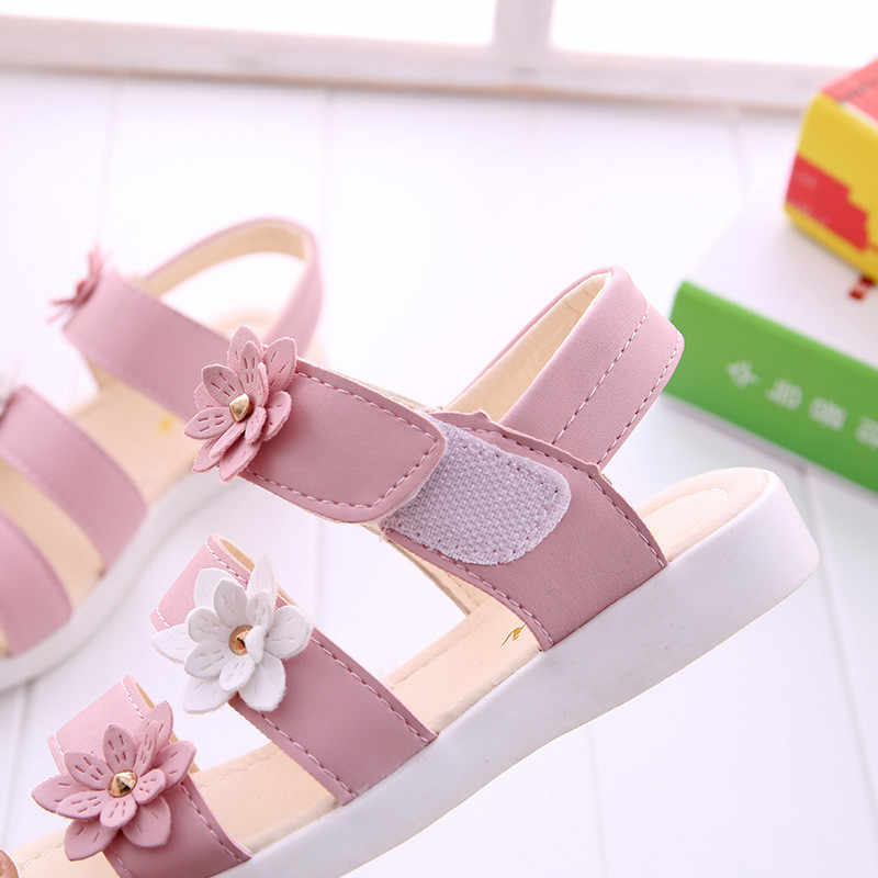 Yüksek kaliteli kızlar sandalet çocuk plaj ayakkabısı çocuklar yaz çiçek prenses ayakkabı bebek kız gladyatör yumuşak düz sandalet