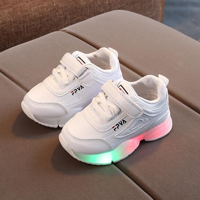 Детская повседневная обувь со светодиодами, кроссовки для мальчиков и девочек, Весенняя спортивная обувь с мультяшным мышом и подсветкой, м...