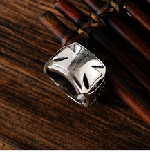 925 Sterling Silver Vintage Thai Silver Glossy Crusader Flower Wide Face Domineering Fashion Ring 925 sterling silver jewelry vintage thai silver faucet ring domineering personality fashion ring