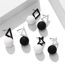 Coreano negro blanco triángulo cuadrado pentagrama pendientes Simple bola gota pendientes para mujeres joyería de moda 2019 Oorbellen Brincos