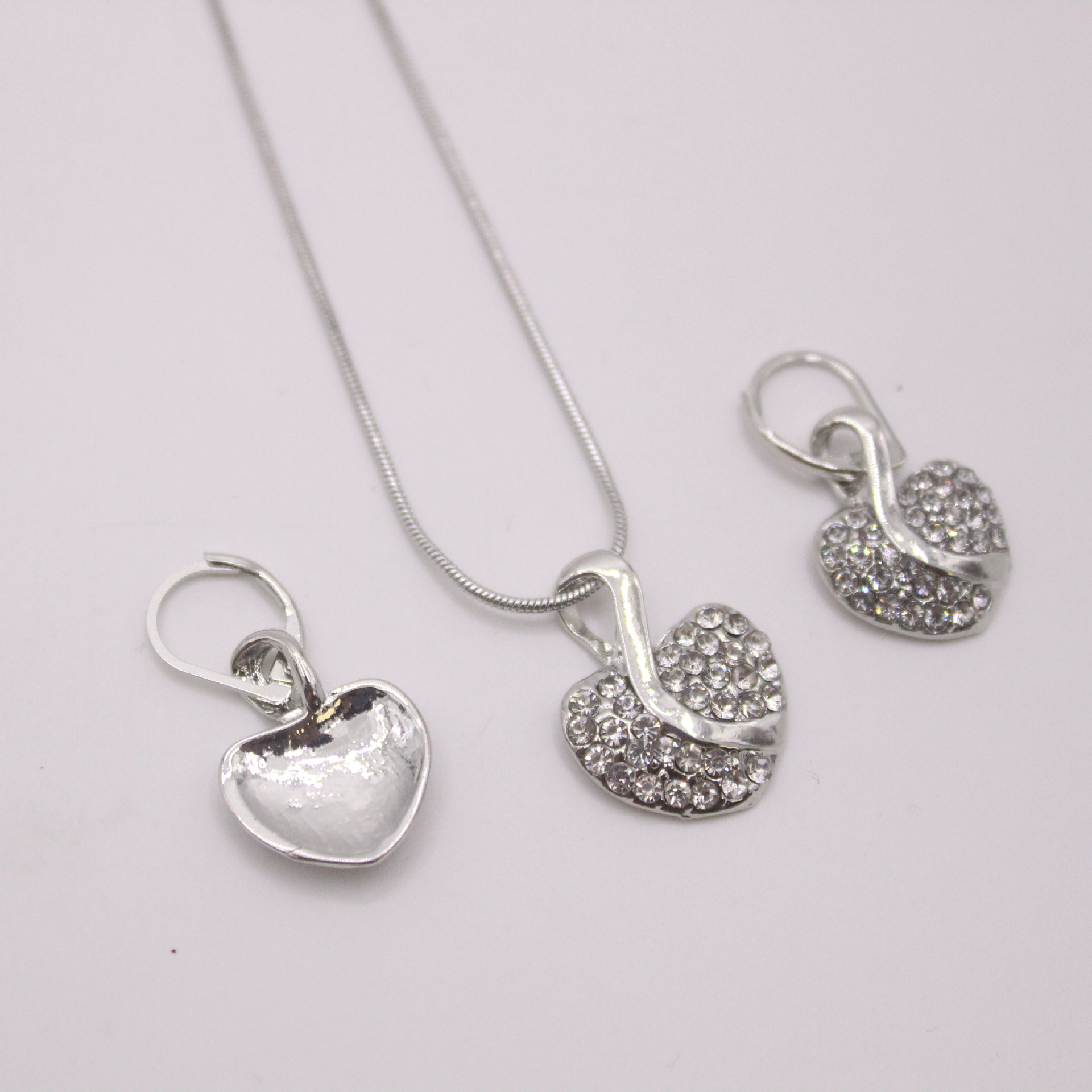 New Heart-Shaped Pendant Fashion Crystals From Austrian Necklaces Jewelry For Women Christmas Party Wedding Jewelery C