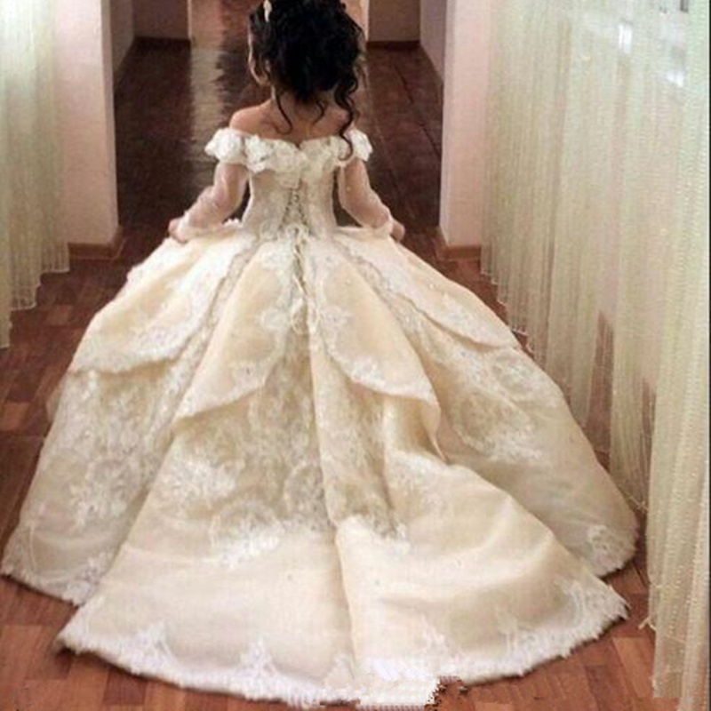 Gorgeous Off Shoulder Flower Girl Dresses For Wedding Sheer Long Sleeve Lace Applique Back Girls Pageant Gowns Princess Dresses