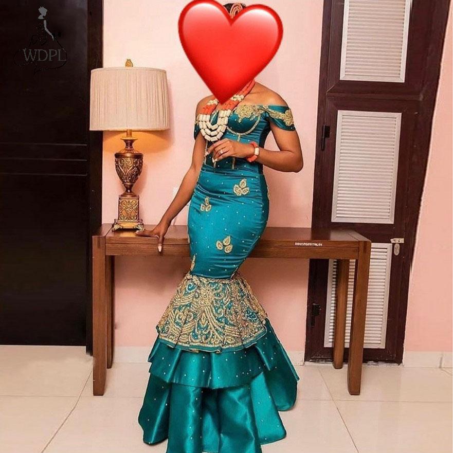 Женское вечернее платье с юбкой годе открытыми плечами в африканском