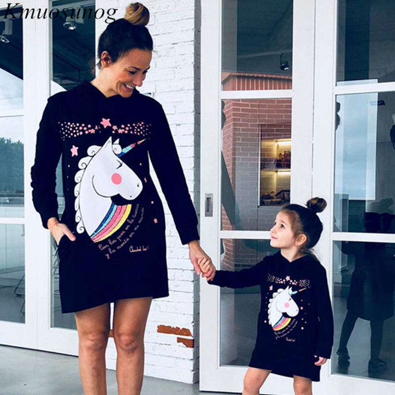 Mommy And Me Clothes Autumn 2019 Winter Hoodies Dress Mini Dress Cute Cartoon Print Mother Daughter Dresses Family Look C0525