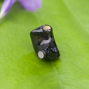 Image 3 - D2 스테레오 하이브리드 이어폰 1BA + 1DD MMCX HIFI 이어 버드 맞춤형 MMCX 헤드폰 DJ 모니터 KZ 케이블 플레이어 용 전화 헤드셋