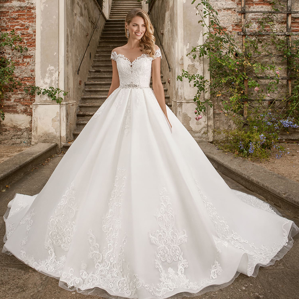 2020 New Special Princess Ball Gown Wedding Dresses Plus Size Mariage Sparkly Beading Crystal Waist Appliques Short Sleeve Dress(China)