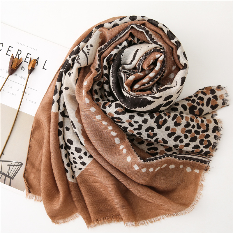 Image 5 - accesorios mujer chic green blue red grey leopard scarf women  autumn fashion long leopard pattern scarf Sjaal Muslim Hijab  SnoodWomens Scarves