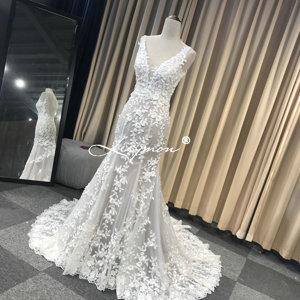 Image 3 - Leeymon Mermaid Ivory Kant Applicaties Wedding Dress V hals Kralen Sexy Backless Bruidsjurk Robe de Mariee