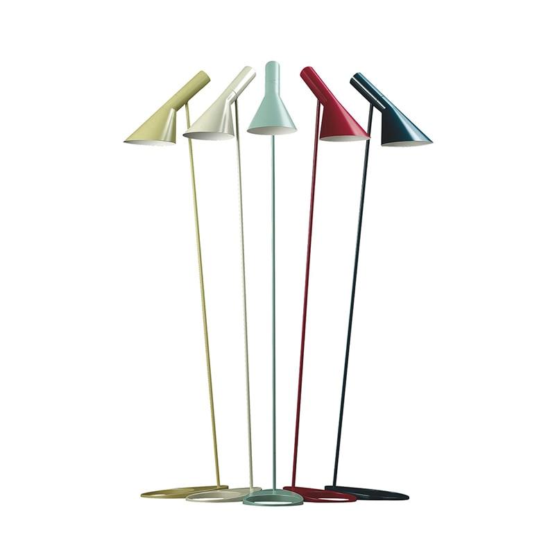Nordic led eisen Boden Lampe Moderne Einfache Hause De Stehend Licht Schlafzimmer Nacht Lampe Fernbedienung Lade boden lampen für wohnzimmer zimmer