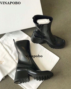 2020 Vinapobo New Black Genune Leather Runway Design Genuine Leather Metal Studded Ankle Boots Thick Heel Punk Boots Shoes Women