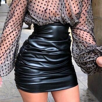 falda plisada cuero
