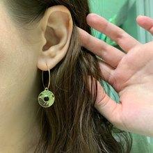 2019 F/W New Arrival Trendy Gold Color Hoop Earrings in Hammered Disc Black Enamel Charm Tiny earrings for Women цена в Москве и Питере