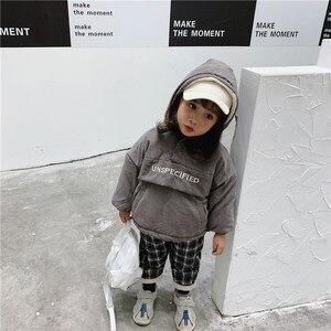 Image 4 - WLG 冬ボーイズガールズパーカー子供付き長袖レタープリントベージュグレーコート赤ちゃん厚い服