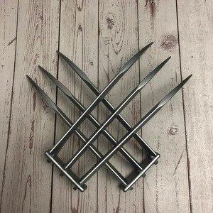 Image 4 - X erkek 1: 1 Logan Wolverines pençe bıçak 1 çift PawCosplay Prop Cosplay cadılar bayramı Prop süper kahraman Cosplay oyuncak silahlar