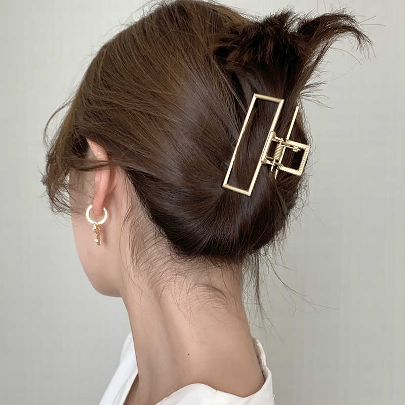 AOMU New Design Korean Vintage Gold Color Geometric Chain Cross Distortion Metal Hair Clip Hair Accessories for Women Headdress
