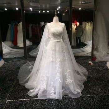 Vintage A-Line Long Sleeve Lace Wedding Dresses Round Neck Tulle Illusion Back Bridal Sweep Train Gowns for Women Real Pictures