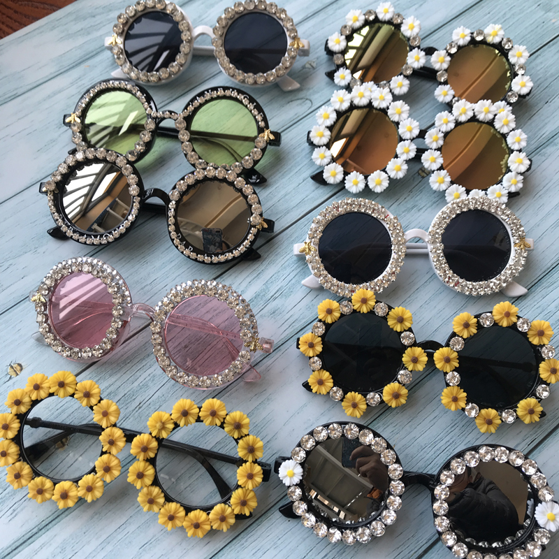 2019 M16 Gorgeous Women Sunglasses Crystal Diamond Handmade Round Eyewear UV400 Mirror Lens Flower Design Summer Sun Glasses