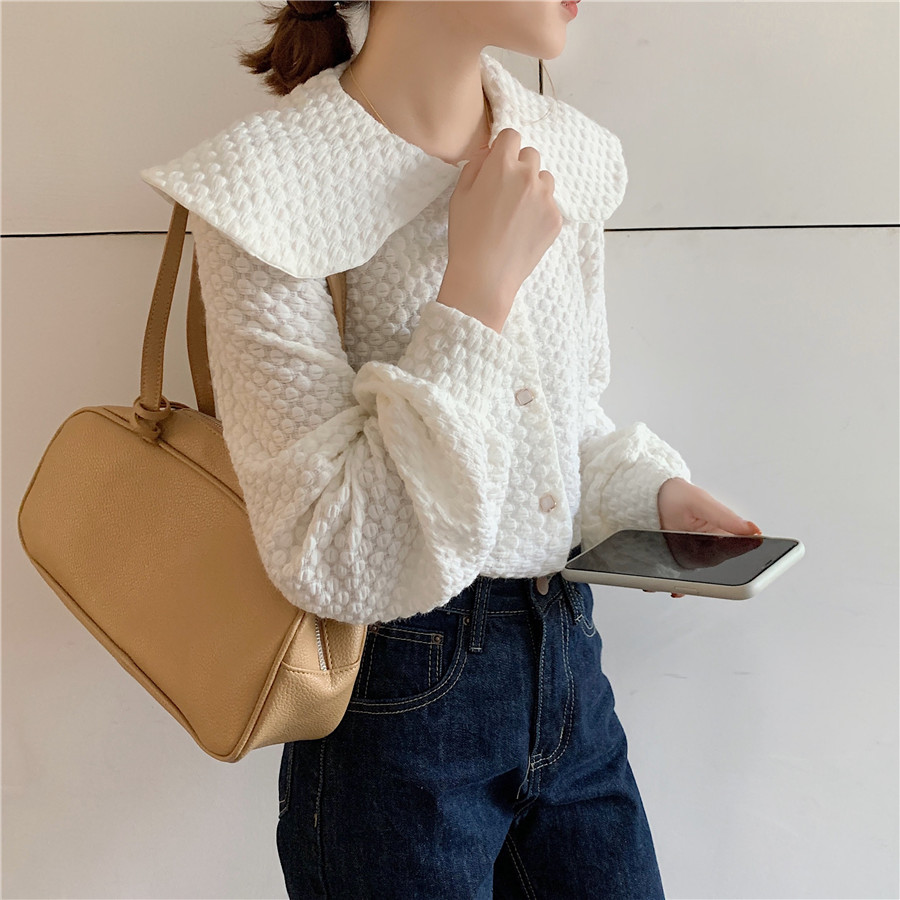 H28f377a21cf940c0b654ede6a5b29fd1Q - Spring / Autumn Big Lapel Long Sleeves French Lace Buttons Blouse