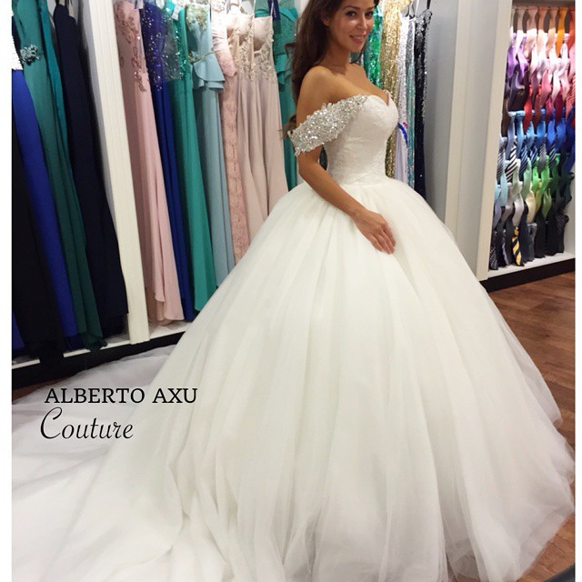 Vestido De Noiva 2015 Romantic Sweetheart Tulle Wedding Dresses Ball Gowns With Crystal Beaded