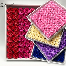 81Pcs soap Rose Flower Floral Soap Scented Rose Flowers Essential Wedding Valentine'S Day Gift Holding flowers