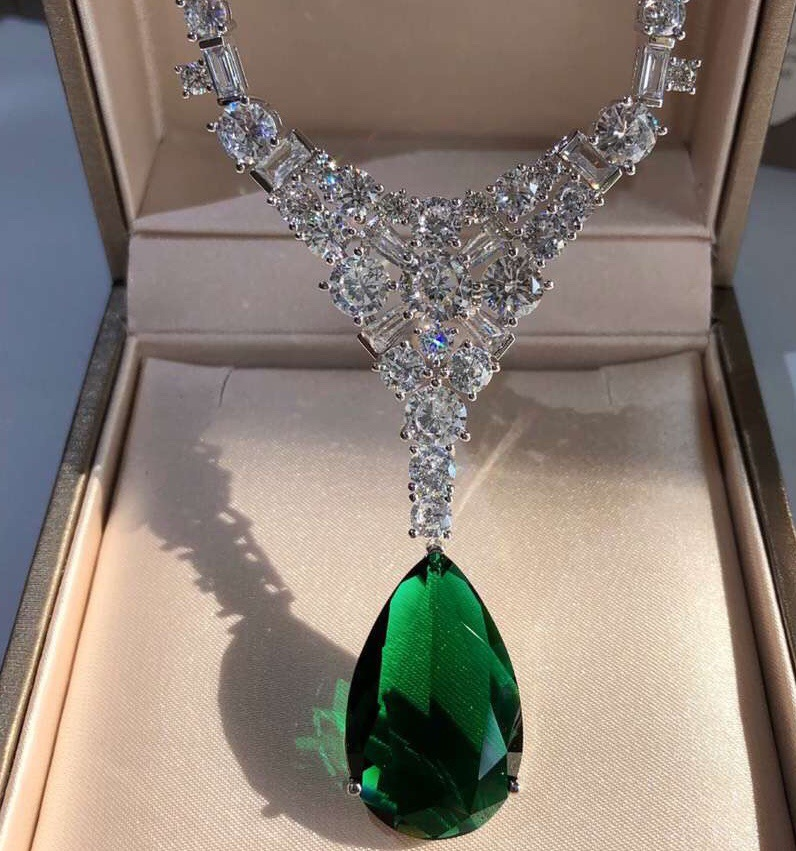 Luxury fashion accessories grandmother green water drop necklace micro-inlaid with zircon upscale evening wear for women necklac