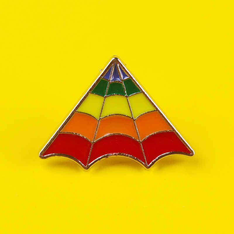 Prajna Rainbow szpilki naszywki na ubrania na plecaku stop cynkowy okrągłe odznaki metalowe akcesoria LGBT duma Pin biseksualna odznaka