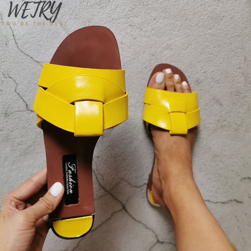 IN 2020 Plus Size Women Sandals Slip-on Comfort PU Outside Summer Slides Retro Flat Casual Summer Female Shoes Leather Sandals