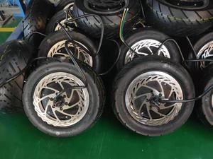 Image 2 - Motor de trueno con neumático y disco