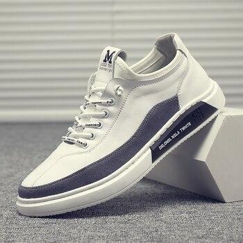 Zapatillas de diseñador de marca para hombre, moda en blanco y negro, zapatos para hombre jóvenes, cómodos zapatos planos antideslizantes de cuero dividido para hombre, zapatos Casuales