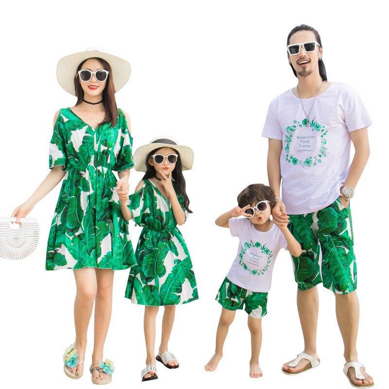 2019 famille correspondant tenues d'été mode vert Floral robe mère et fille robes père fils bébé garçon vêtements Shorts