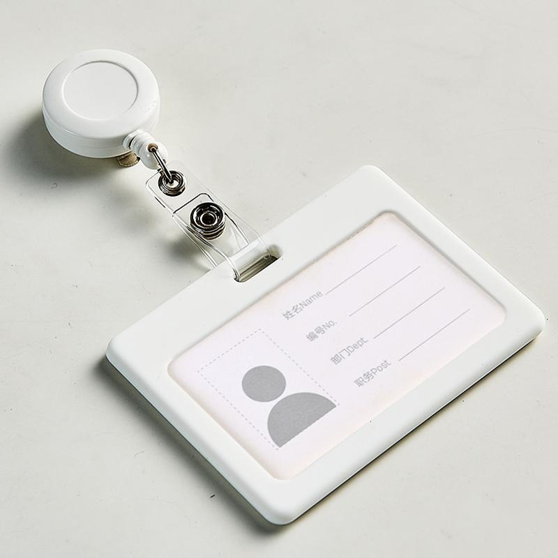 1 set Retractable Ski Pass ID Card Badge Holder Name Tag Card Holders For School Office Company