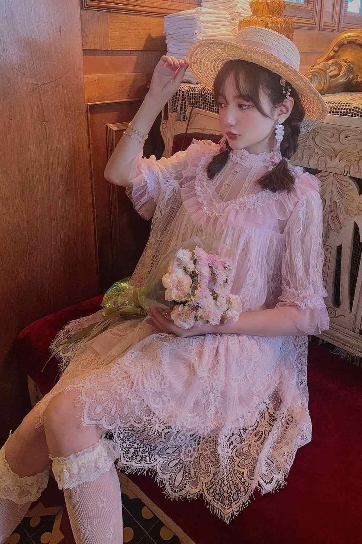 Vestido retro bordado de encaje de moda de palacio francés vestido de vacaciones de encaje con cuello de soporte para mujer vestido falso de dos piezas D1769