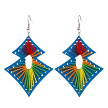 The new 2019 winding retro fashion women earrings jewelry popular geometrical wood