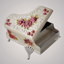 Piano relief music box metal spring type Swan Lake music box birthday Christmas gift кровати box spring