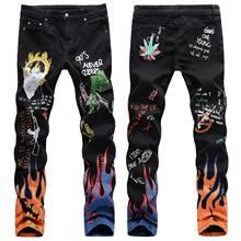 Męskie litery nadruk płomieni wzorzyste dżinsy szczupły prosty odcinek modne Graffiti Punk Rock Streetwear dżinsy hip-hopowe spodnie