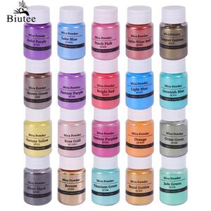 Biutee 20 Colors Mica Glitter Sculpture Powder Pigment Kit Organized With Pearlescent Pearl Luster Soap Making/Bath Bomb